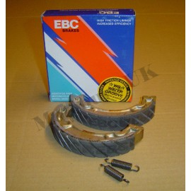 "EBC ""Water Grooved"" Yamaha IT200 Brake Shoes"